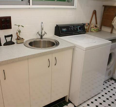 Northside kustom kitchens brisbane north laundry for Kustom kitchen designs